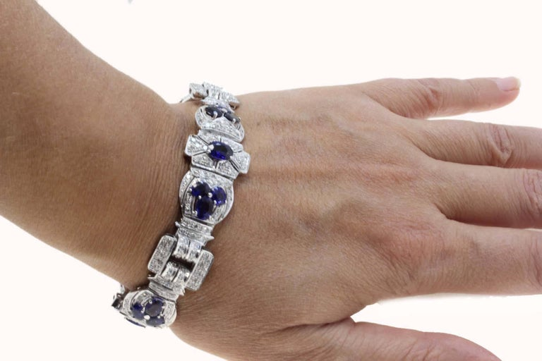 Diamonds Art Deco White Gold and Sapphires Bracelet For Sale 1