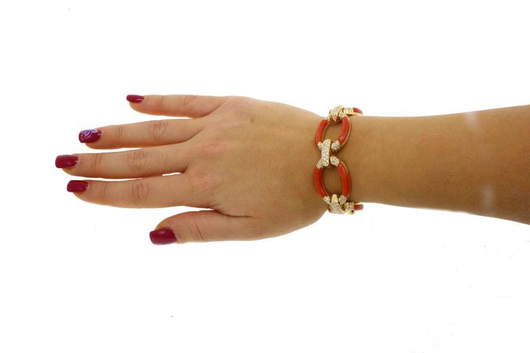 Retro ct 3,60 Daimond Coral Yellow Gold Bracelet For Sale
