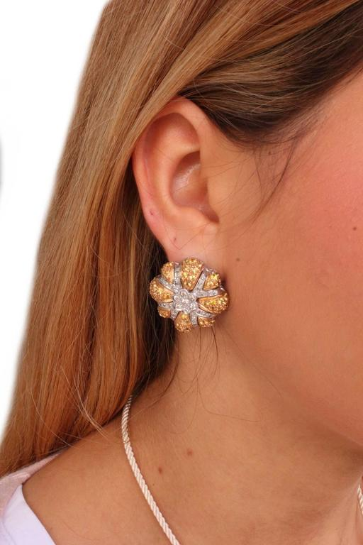 Women's  Diamond yellow sapphires Gold Daisy Earrings For Sale