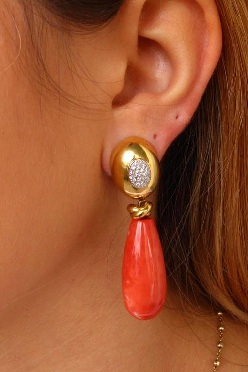 Teardrop Coral Diamond Gold Earrings In Good Condition For Sale In Marcianise, Caserta