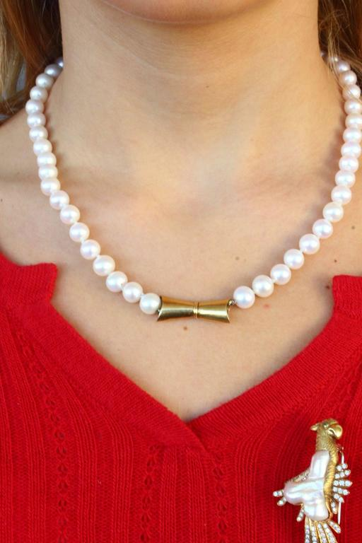 Pearl Necklace and Parrot Gold Brooch/Clasp In As New Condition For Sale In Marcianise (CE), IT