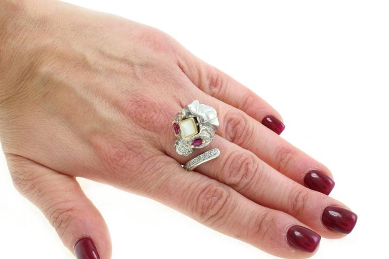 Stylized Ruby Diamond Gold Lion Ring In Good Condition For Sale In Marcianise, Caserta