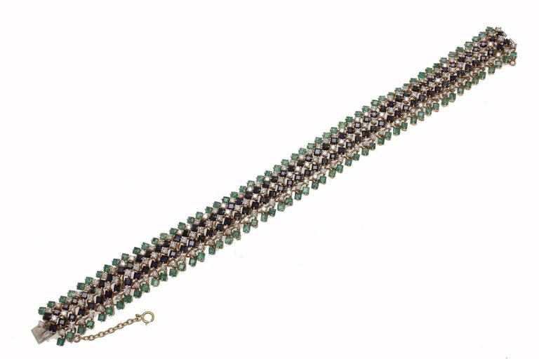 Emerald and Sapphire and Diamonds Gold Strands Bracelet In Good Condition For Sale In Napoli, IT