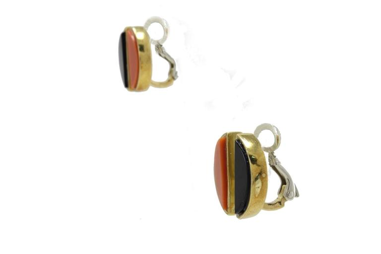 Coral Onyx Gold Clip-On Earrings In New Condition For Sale In Marcianise (CE), IT