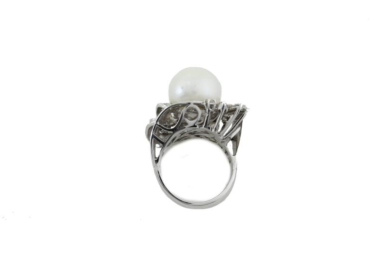 Australian Pearl Diamond Gold Ring In Good Condition For Sale In Marcianise, Caserta