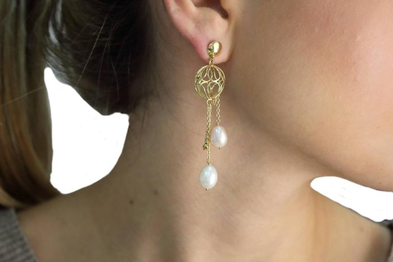 Yellow Gold Sphere Pearl Drop Earrings In Good Condition For Sale In Marcianise, Caserta