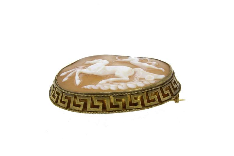 Cameo Brooch In Good Condition For Sale In Marcianise, Caserta