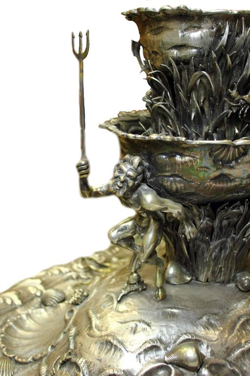 Silver Table Garden Fountain In Good Condition For Sale In Marcianise, Caserta