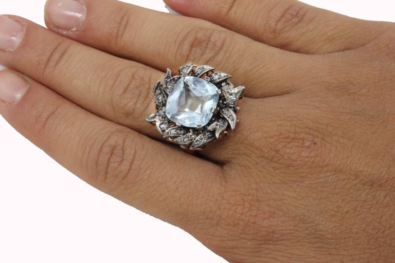 Aquamarine and Diamonds Fashion Gold  Ring In As New Condition For Sale In Marcianise (CE), IT