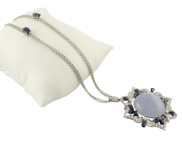 White Diamonds Blue Sapphires Chalcedony White Gold Pendant Necklace In As New Condition For Sale In Marcianise (CE), IT