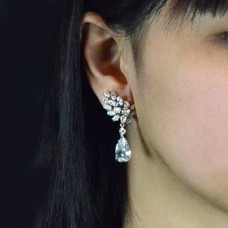 Important Cartier Paris Pear Shaped D Color Diamond Drop Earrings  5