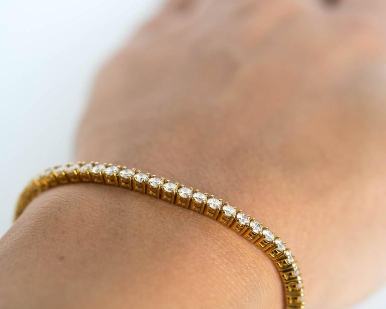 Modern 18k Yellow Gold Cartier Tennis Bracelet For