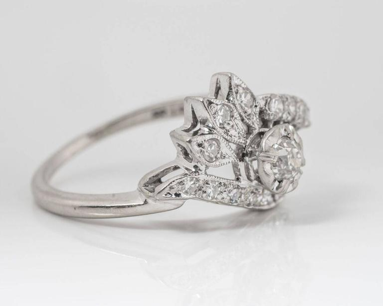 1940s Diamond Ring In Good Condition For Sale In Hicksville, NY