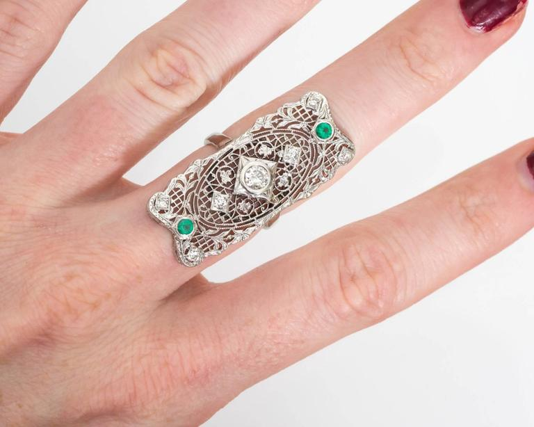 Women's 1940s Diamond and Emerald Filigree Shield Ring For Sale
