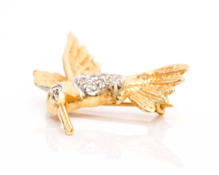 Retro 1950s Hummingbird Pin in 14 Karat Gold and Diamonds For Sale