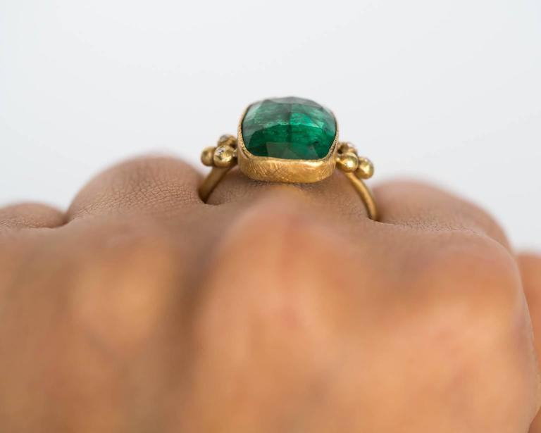 Emerald Diamond Hammered Yellow Gold Finish Ring For Sale 4