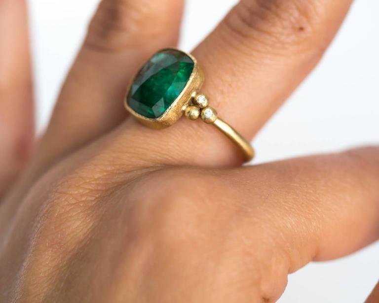 Emerald Diamond Hammered Yellow Gold Finish Ring For Sale 3