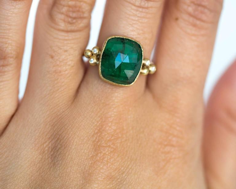 Emerald Diamond Hammered Yellow Gold Finish Ring For Sale 2