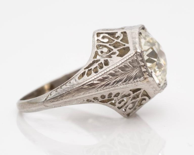 1920s Art Deco GIA 1.45 Carat Old European Diamond Platinum Engagement Ring In Good Condition For Sale In New York, NY