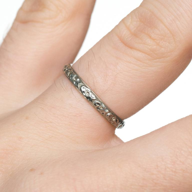 1920s Art Deco Engraved White Gold Wedding Band Ring For Sale 2