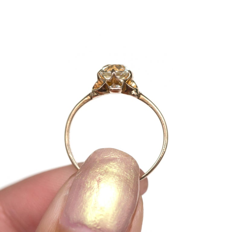 1890s Victorian 1.05 Carat Diamond 14 Karat Yellow Gold Engagement Ring For Sale 1