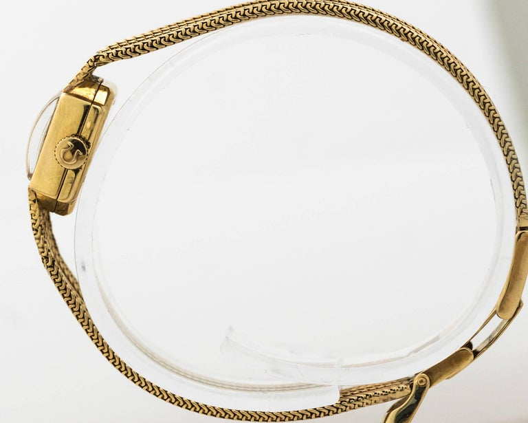 1950s Rolex 14K Yellow Gold Ladies Wrist Watch In Good Condition For Sale In Hicksville, NY