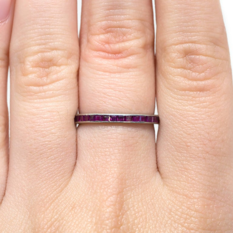 1920s Art Deco 1.00 Carat Total Weight Ruby Platinum Wedding Band In Excellent Condition For Sale In Hicksville, NY