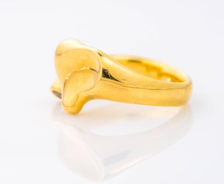 Tiffany & Co. Elsa Peretti Open Heart Diamond and 18K Gold Ring In Good Condition For Sale In Hicksville, NY
