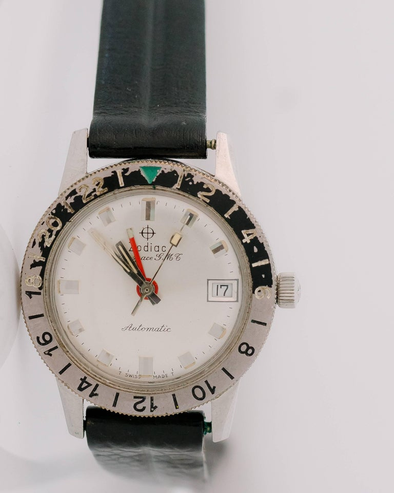 1950s Zodiac Aerospace GMT Stainless Steel Wristwatch In Good Condition For Sale In New York, NY