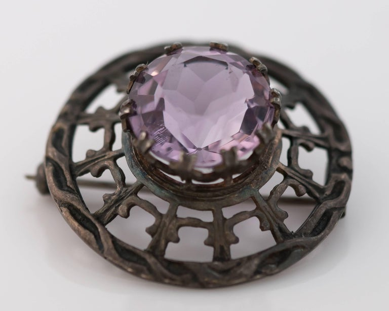 Women's 1910s Edwardian 10 Carat Amethyst and Sterling Silver Brooch For Sale