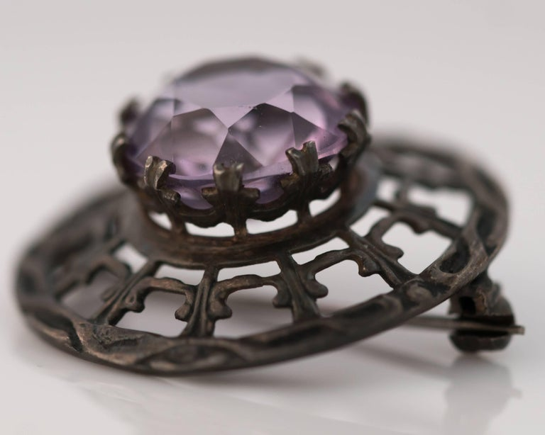 1910s Edwardian 10 Carat Amethyst and Sterling Silver Brooch For Sale 1