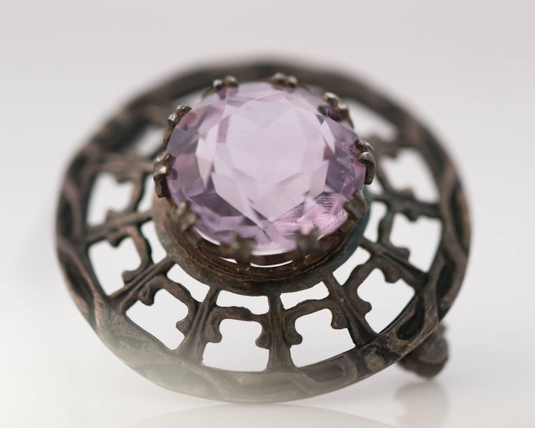 1910s Edwardian 10 Carat Amethyst and Sterling Silver Brooch In Good Condition For Sale In Hicksville, NY