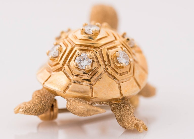 1950s Diamond and 14 Karat Yellow Gold Turtle Brooch Lapel Pin For Sale 1