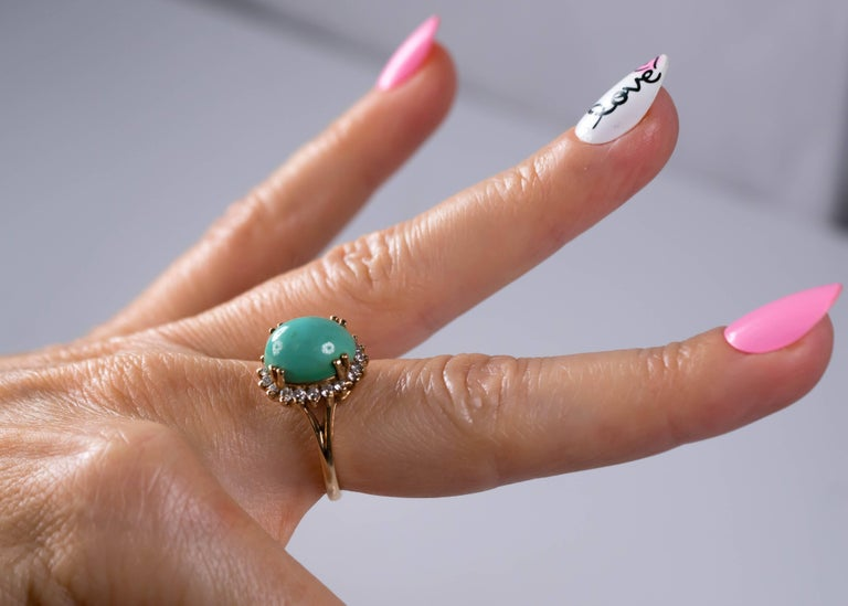 1950s Tiffany & Co. Persian Turquoise Cabochon Diamond Halo 14 Karat Gold Ring For Sale 4