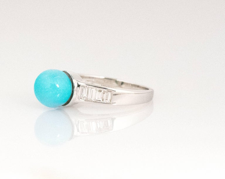 Round Cut 1970s Turquoise and Diamond 18 Karat White Gold Ring For Sale