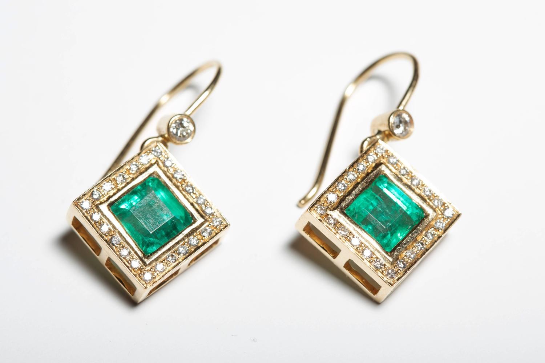 Sacred Shape Emerald and Diamond Earrings For Sale at 1stdibs