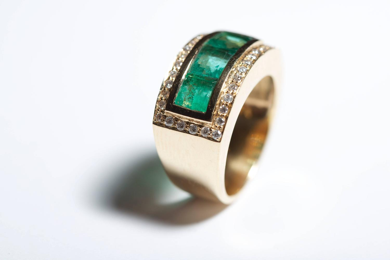 jade jagger emerald and rectangle side ring for