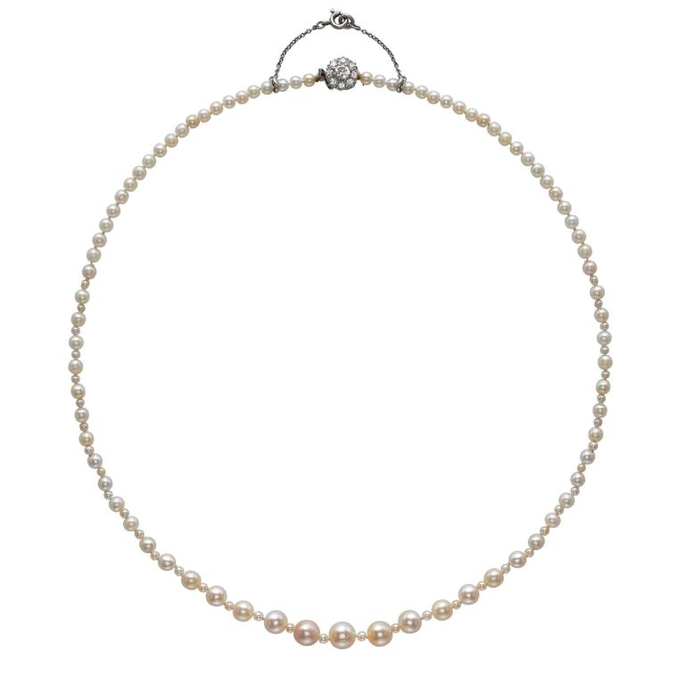 Natural saltwater pearl necklace with diamond clasp