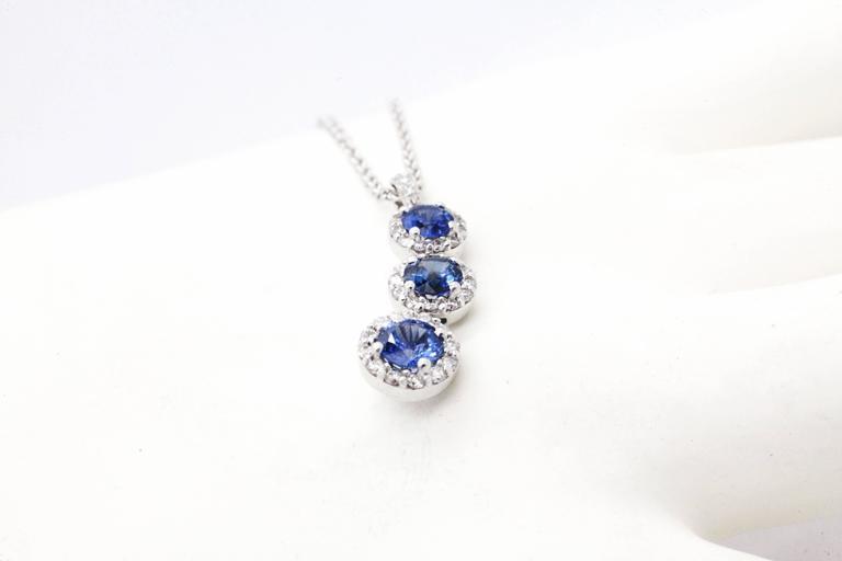 Women's 1.24 carat Sapphire and0.40 carat white diamonds 18k white Gold Triple Pendant For Sale