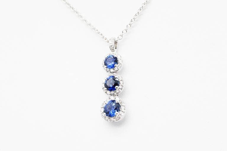 1.24 carat Sapphire and0.40 carat white diamonds 18k white Gold Triple Pendant For Sale 1
