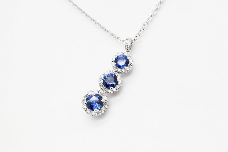 1.24 carat Sapphire and0.40 carat white diamonds 18k white Gold Triple Pendant For Sale 3