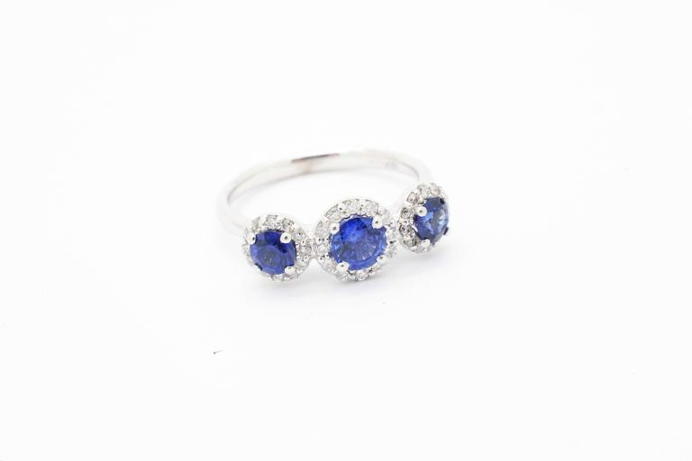 Round Cut 1.26ct Blue Sapphire 0.36ct white Diamond 18k white Gold Ring For Sale