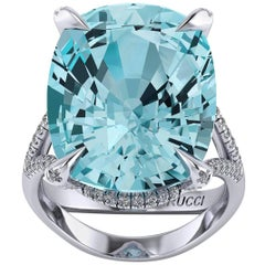 Ferrucci 16.73 Carat Natural Aquamarine and Diamonds in Handmade 18 Karat Gold