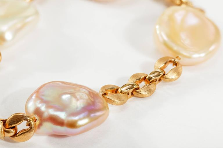 Yvel Freshwater Keshi Pearl and 18 Karat Rose Gold Chain Bracelet In Excellent Condition For Sale In Houston, TX