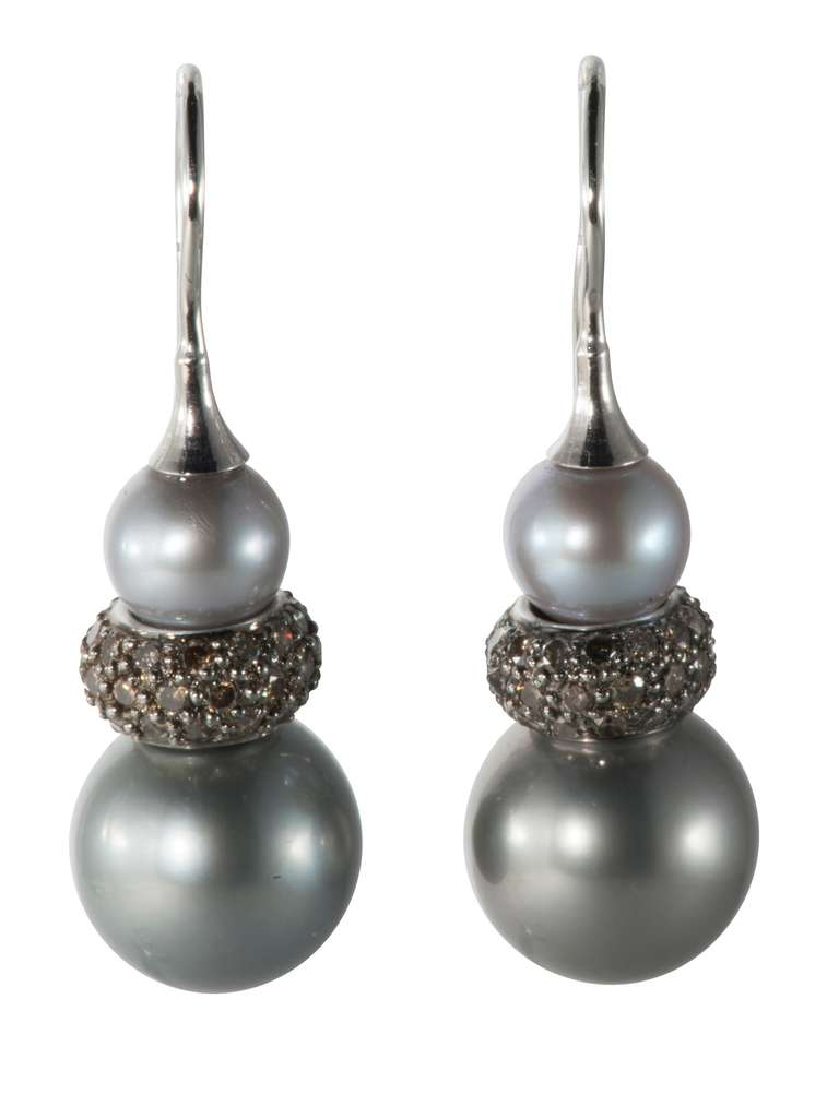 Tahitian Pearl Diamond Drop Earring For Sale at 1stdibs