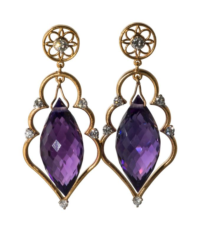 Amethyst Diamond Gold Drop Earrings In Excellent Condition For Sale In Houston, TX