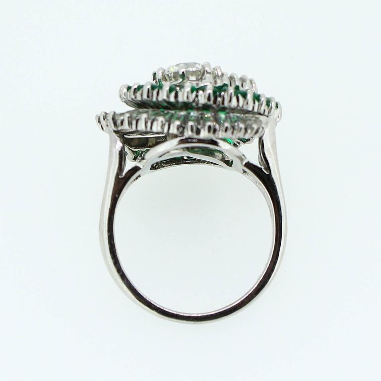 1950s  Emerald  Diamond Spiral Motif Ring In Excellent Condition For Sale In Birmingham, AL