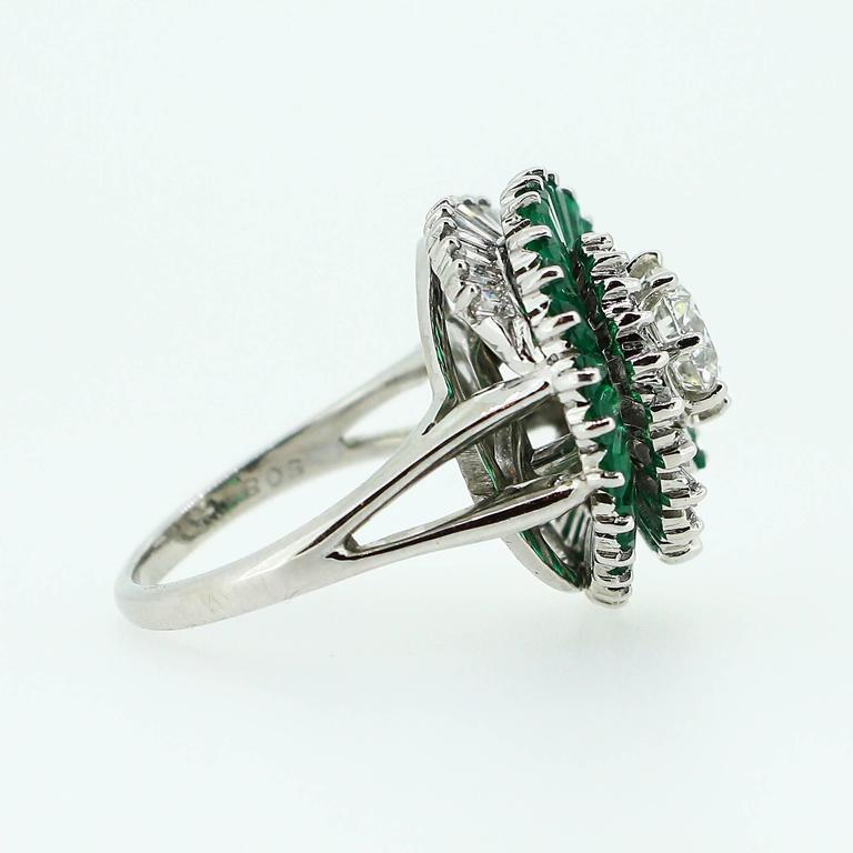 1950s  Emerald  Diamond Spiral Motif Ring For Sale 2