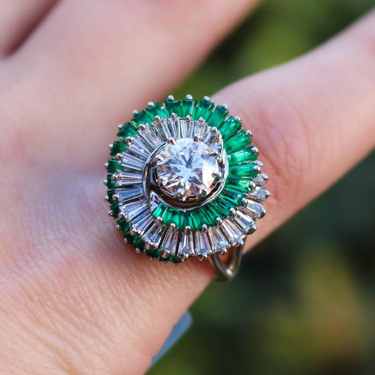 1950s  Emerald  Diamond Spiral Motif Ring For Sale 1