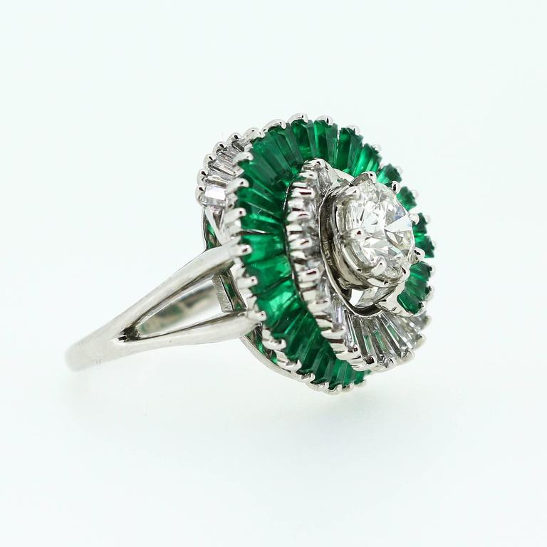 1950s  Emerald  Diamond Spiral Motif Ring For Sale 4